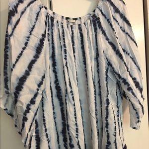 3/4 sleeve flowy tie die top with floral detail